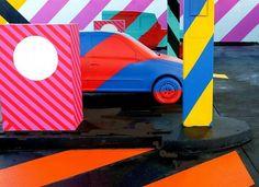L'artiste irlandais Maser s'est inspiré est du travail de l'artiste américain de pop-art Ed Ruscha pour concevoir cette station service bariolée dans la ville de Limerick City en Irlande. Un beau projet de réhabilitation artistique d'un bâtiment laissé à l'abandon.