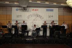 Daca esti un fan al culturii si civilizatiei germane si te gandesti sa aduci spiritul Oktoberfest-ului la nunta sau petrecerea ta, noi avem solutia:  Fanfara Germana Clasic Band.  http://macrea-events.ro/fanfara-germana-clasic-band/