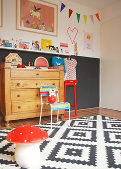 always love a graphic kid's room. #kids #decor
