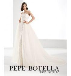 Pepe Botella, original vestido de novia de encaje con falda de tul