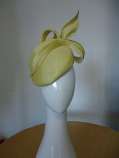 Lemon delicious! Straw beret for Spring. Louise Macdonald milliner.