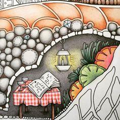 A cute little table ☺️ #johannabasford #echantedforest #hetbetoverdewoud #florestaencantada #kleurenvoorvolwassenen #coloringforadults