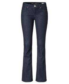 Jeansmini mit farblich abgesetzten Nähten, sichtbarer Knopfleiste, Destroyed-Effekten sowie Nietenbesatz an den Taschen vorn und hinten. Western-City-Girl: mit lässig gekrempelter Karobluse zu kombinieren. #70ies #Jeans #Impressionenversand