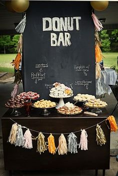 maybe do a donut bar plus a cake? The donut bar looks nice and people know what they're getting, but I want to have a cake with a cake topper too! Dessert Bars, Dessert Ideas, Dessert Tables, Choco Taco, Bar A Bonbon, Food Stations, Festa Party, Taco Bar, Partys