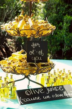 """Now Trending: Homemade Wedding Favors 