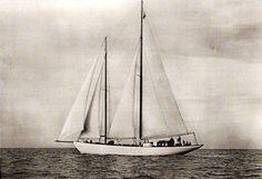 Orianda, 1937 - Barche e Navi d'Epoca -   Ragna IV     Tra il 1981 e il 1986 è appartenuta a Neal Peart e navigò ai Caraibi, poi divenne di Peter Philip che la adibì a charter con base a Tortola.     Nel 1988 subì un incendio, ma venne ricostruita nelle sue parti bruciate (tuga, sala macchine e quartiere poppiero). Divenne successivamente della famiglia Benloch e tra il 2009 e il 2010 fu restaurata presso la Tecnomar di Fiumicino.