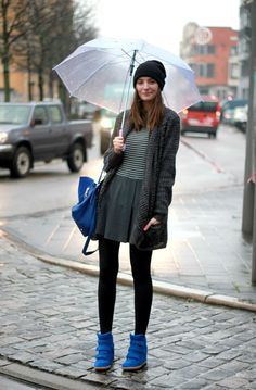 Paulien Riemis in a KIRILOVE FOR VERO MODA cardigan, thrifted dress, OASAP bag, and THE FAB SHOP sneakers.
