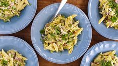 Penne with Prosciutto, Peas and Leeks in Cream Sauce - See more at: http://www.rachaelrayshow.com/#sthash.Wct8aNbD.dpuf