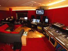 Studio pic of the day. Studio pic of the day. Home Recording Studio Setup, Home Studio Setup, Studio Layout, Music Studio Room, Studio Interior, Studio Ideas, Music Rooms, Band Rooms, Arquitetura