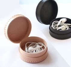 Small leather collar case, box, pouch, wallet, Handmade for earphone, coin, Jewelry...**Original Design ** *Earphone is not included. Protect your
