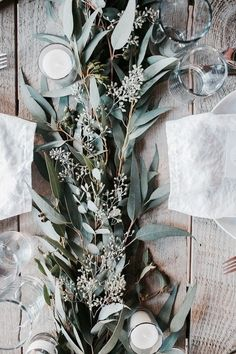 The ultimate greenery wedding decor - a table runner comprised of mixed greenery. Talk about a stand-out wedding reception decor idea! Beltane, Christmas Table Settings, Christmas Centrepieces, Deco Floral, Floral Design, Leaf Table, Wood Table, Diy Table, Timber Table