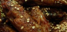 Chicken wings with delicious soy sauce.    https://easyrecipes.kitchen/recipe/chicken-wings-soy-sauce/  #ChickenRecipes #ChickenWingsInSoySauce