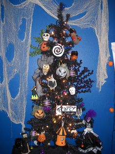 happy halloween decorate a black christmas tree with the kidos holiday fun pinterest black christmas trees black christmas and happy halloween - Black Halloween Tree