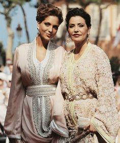 Awesome Muslim Wedding Dresses Caftans et Takchita Morrocan Dress, Moroccan Caftan, Moroccan Style, Modest Dresses, Pretty Dresses, Style Marocain, Muslim Wedding Dresses, Classy Women, Wedding Wear