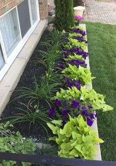 15 Beautiful Flower Beds In Front Of House Ideas inside Flower Bed Designs for F. - 15 Beautiful Flower Beds In Front Of House Ideas inside Flower Bed Designs for Front of House - Cheap Landscaping Ideas, Small Front Yard Landscaping, Front Yard Design, Backyard Landscaping, Backyard Ideas, Patio Ideas, Landscaping Borders, Natural Landscaping, Backyard Designs