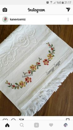 This Pin was discovered by Sab Cross Stitch Love, Cross Stitch Borders, Cross Stitch Flowers, Cross Stitch Designs, Cross Stitching, Cross Stitch Embroidery, Hand Embroidery, Embroidery Designs, Crochet Border Patterns