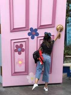 Monster inc. Monster inc. Disney World outfits The post Disneyland. Monster inc. Photo Op appeared first on Pink Unicorn. Disney World Outfits, Disney World Fotos, Disney Fashion, Disneyland Photography, Disneyland Photos, Disneyland California, Disneyland Trip, Disneyland Outfit Summer, Disneyland Outfits