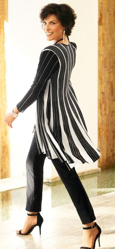 Stunning strips with a softness to them that are feminine. Love the whole outfit. Especially lovely for pear shapes.