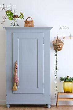 Cottage Bathroom Design Ideas, Home Design Decor, Interior Design, Home Decor, Gray Painted Furniture, Newborn Room, Cool Kids Rooms, Cozy Room, Upcycled Furniture