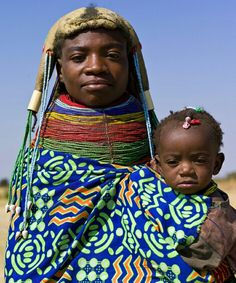 Angola, Mucuma: Muhuila mother with child. African Tribes, African Women, We Are The World, People Around The World, Arte Tribal, Portraits, Kingdom Of Kongo, Tribal Fashion, Beauty