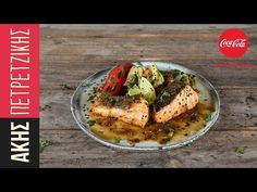 Caramelized salmon by the Greek chef Akis Petretzikis. Make easily and quickly this recipe for a crispy, sweet, and tender salmon with a caramel glaze! Greek Recipes, Salmon, Seafood, Caramel, Meat, Chicken, Cooking, Kitchen, Tube