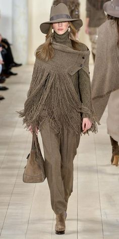 Runway Looks We Love: Ralph Lauren Fall/Winter 2015 from InStyle. Fall Fashion Week, Autumn Winter Fashion, Ethno Style, Ralph Lauren Style, High Fashion, Womens Fashion, Fall Winter Outfits, Beautiful Outfits, Beautiful Clothes