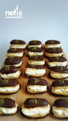Appendices Cake Recipe – Famous Last Words Eclairs, Yummy Recipes, Pie Recipes, Yummy Food, Donut Recipes, Eclair Cake Recipes, Kolaci I Torte, Flaky Pastry, Mince Pies