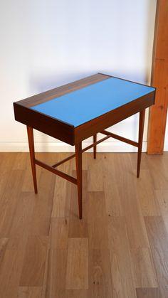 Richard B.Hornby for Fyne Ladye desk Retro Furniture, Antique Furniture, Mid Century Furniture, Ping Pong Table, Desks, Antiques, Home Decor, Mesas, Antiquities