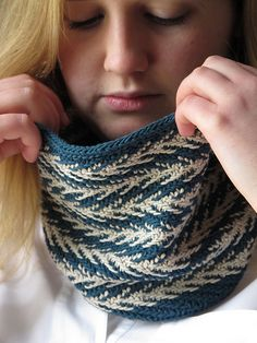 Free pattern Ravelry: Utility Cowl pattern by Ainsworth and Prin. Beautiful slip stitch cowl knit in DK weight Slip Stitch Knitting, Knit Cowl, Knit Crochet, Free Crochet, Knitting Patterns Free, Free Knitting, Free Pattern, Knitting Kits, Shrug For Dresses