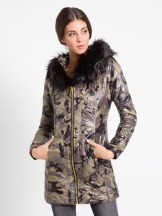 MET Women's ARAMYT padded jacket, camo and eco fur details -  Met #met #metjeans #fallwinter17 #fall #winter #collection #woman #apparel #love #style #fashion #street #style #falltrend