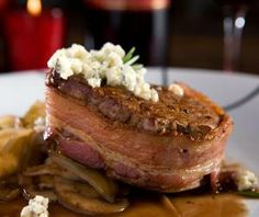 What I wish I could eat (rare) right now - Bacon Wrapped Filet Mignon With Mushroom Sauce