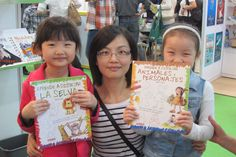 Learning How to draw in Shanghai Book Fair :)