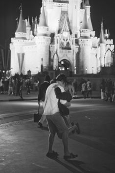 Kristen and Caleb - Disney Marriage Proposal in Pictures