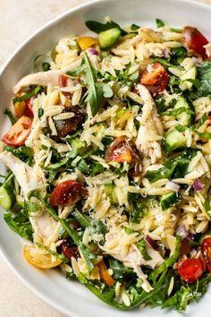 Lemon Orzo Salad, Orzo Salad Recipes, Chicken Orzo, Chicken Salad, Lemon Chicken, Giada De Laurentiis, Salada Light, Cooking Recipes, Healthy Recipes