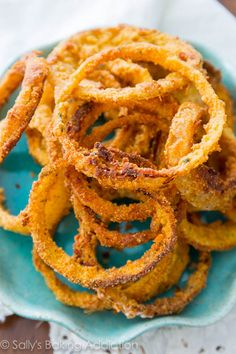 How to Make Healthy, Crispy Baked Onion Rings | sallysbakingaddiction.com | #appetizers
