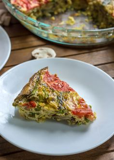Mushroom Asparagus Crustless Quiche with shredded potato, and topped with tomatoes. Gluten-free, dairy-free, and paleo. Asparagus Casserole, Asparagus Quiche, Asparagus And Mushrooms, Asparagus Recipe, Stuffed Mushrooms, Quiche Recipes, Gf Recipes, Cooking Recipes, Healthy Recipes