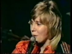 """Anne Murray - Snow Bird Anne Murray  - From """"Talk of the town""""1973  With""""Richard"""" Holmes and his Orchestra  Vocal Backing by Lady Birds  Orchestra Directed by Richard Holems  The Band  Drums: Andy Cree  Bass: Skip Beckwith  Guitar: Miles Wilkinson  Piano: Pat Riccio Jr.  Tenor Sax: Don """"D.T."""" Thompson  Trombone: Jiro """"Butch"""" Watanabe"""
