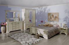 Pořiďte si ložnici, na kterou se budete celý den těšit. V ložnici Lettore si díky stylovému designu a pohodlné posteli budete užívat takřka pohádkový spánek. Cena je 33 991 Kč; MT nábytek