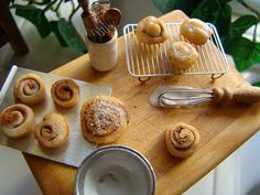 Sticky buns in miniature 1:12 by It's a miniature life...is playing with clay