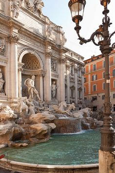architecture old italy europe Trevi Fountain City Aesthetic, Travel Aesthetic, Aesthetic Vintage, Aesthetic Clothes, The Places Youll Go, Places To Visit, Trevi Fountain, Roman Fountain, Northern Italy
