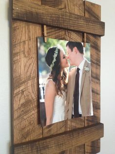 Rustic Reclaimed 8x10 Pallet Picture Frame by DunnRusticDesigns                                                                                                                                                      Mais