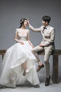 Pre Wedding Photoshoot, Wedding Poses, Wedding Men, Wedding Couples, Dream Wedding, Korean Wedding Photography, Korean Photo, Cristiano, Korean Wedding Dresses