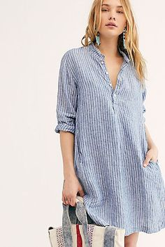 Jasmine Tunic from Free People! Tunic Shirt, Tunic Tops, Shirt Dress, Apron Dress, Casual Dresses, Casual Outfits, Free People, Looks Style, Chambray