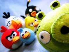Angry birds, need to try knitting this #SooziHoover