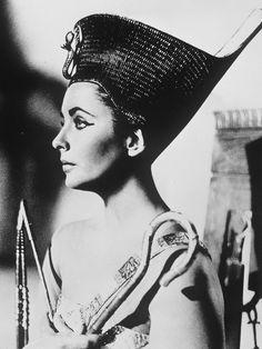 Elizabeth Taylor in Cleopatra 1963.