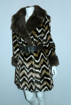 MOD 1960s faux fur coat brown Zig Zag ANIMAL print jacket XS - S – Retro Trend Vintage