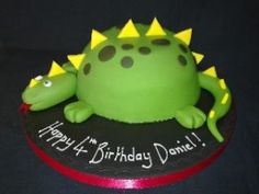 dinosaur cake Board with lots of ideas at  http://pinterest.com/bloydsbaby/awesome-cakes-cupcakes-cake-pops/
