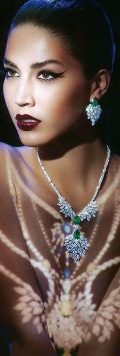 Billionaire Club / karen cox. Vogue advertorial featuring a divine 18k white gold, emerald and diamond demi-parure from the Extremely Piaget Collection.