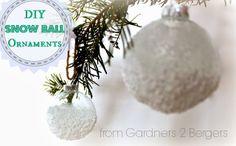 DIY Snow Ball Ornaments via #fromgardners2bergers #diyornament
