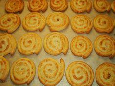 Mariannkonyha: Sajtos csiga Salty Cake, Hungarian Recipes, Exotic Food, Creamed Mushrooms, Snacks, Appetisers, Sweet And Salty, Winter Food, Sweet Tooth
